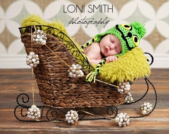 Instant Download PDF Crochet Pattern - No. 20 Baby The Grinch Ear Flap Hat - 5 Sizes