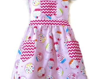 Cupcake Apron, Retro Style Apron, Children's Apron, Toddler Apron, Girls Apron, Baking Apron, Cooking Apron, Kids Apron, Little Girls Apron