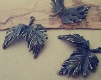 16pcs  Antique bronze Leaf charm pendant 27mmx29mm