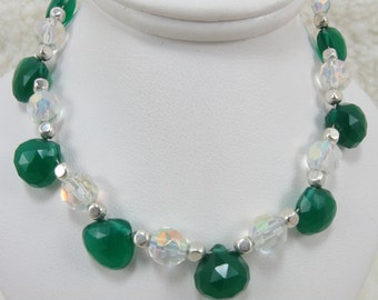 Emerald Green Onyx and Crystal Bracelet, Onyx Bracelet, Green Onyx Bracelet, Crystal Bracelet, Faceted Briolette Bracelet, Gemstone Bracelet