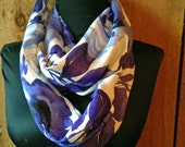 Woven lightweight print infinity scarf - Purple floral