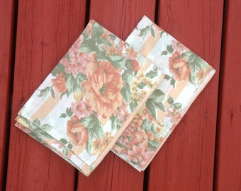 Vintage Pillow Cases  - Set of 2 - Bedding, Shabby Chic, Cottage Charm - floral