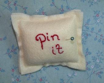 Pin It magnetic pin cushion in cream