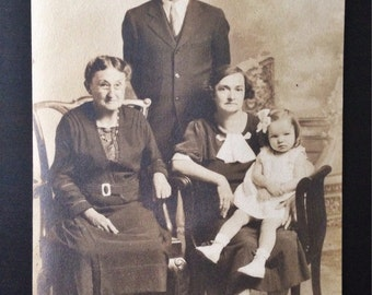 Original Antique Photograph The Smithsons with Mother