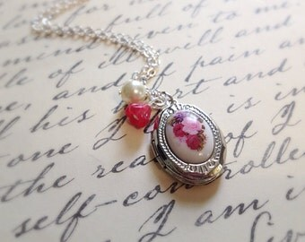 Floral Locket Necklace. Silver Opening Oval Locket. Red Glass Rose and Ivory Pearl. Silver Chain. Woodland. Pink Purple. Victorian. Vintage.