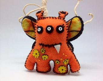 Felt monster, felt Alien, alien monster, alien plush, soft toy, butterfly monster, kids room decor, birthday gift, nursery decor
