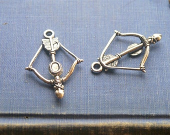 6 pcs Antique Silver Bow and Arrow Pendant Charms (SC863)