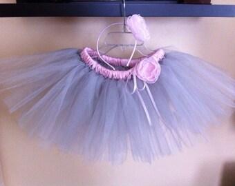Short Light Gray Tutu Skirt(5-6T size) with a Pink Flower Headband