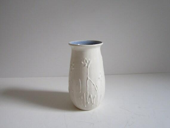 White Modern Vase by 20thCenturyGoods on Etsy