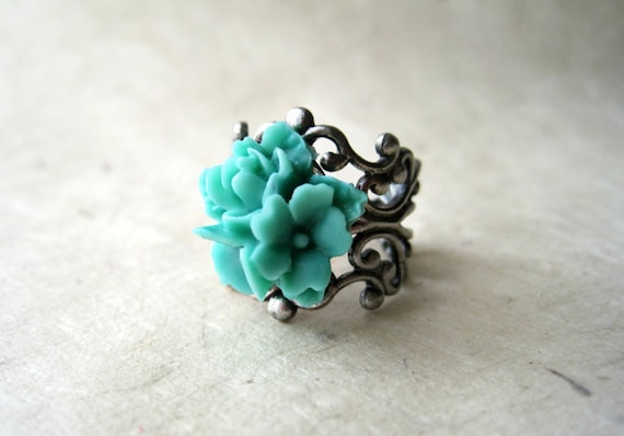 Aqua Flower Ring, Handmade Teal Rose Ring. Resin Mint Green Star Flower Ring. Seafoam and Silver Adjustable Filigree Ring. Floral Jewelry.
