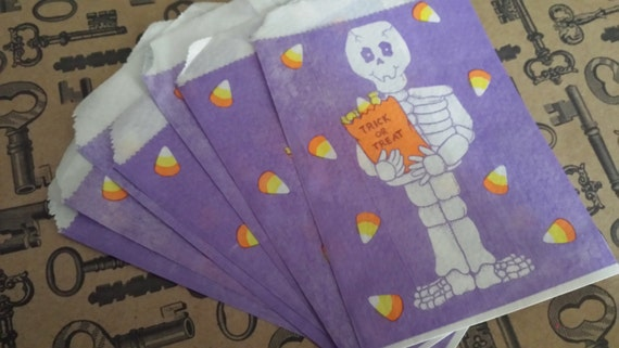 Lot of 12 Vintage Trick or Treat Bags