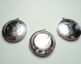 3 pcs - 20mm  Silver plated  brass Round Lockets with double heart design - m272s
