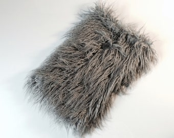 "macbook pro 15 inch RETINA sleeve, Macbook Case cover, faux fur, fluffy, laptop bag, macbook  pro - ""Fluffy_gray lama"""