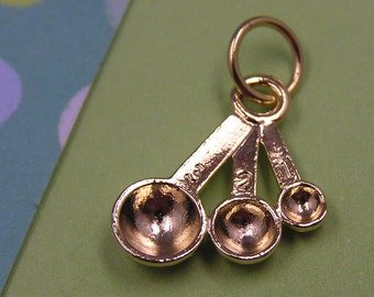 T8 Gold Measuring Spoon Charm - kitchen cooking utensil