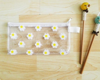White Daisy CLEAR PVC zipper pencil case,pencil pouch,pencil bag,glasses case,cosmetic bag,vinyl,waterproof, club kid, flowers print - Daisy