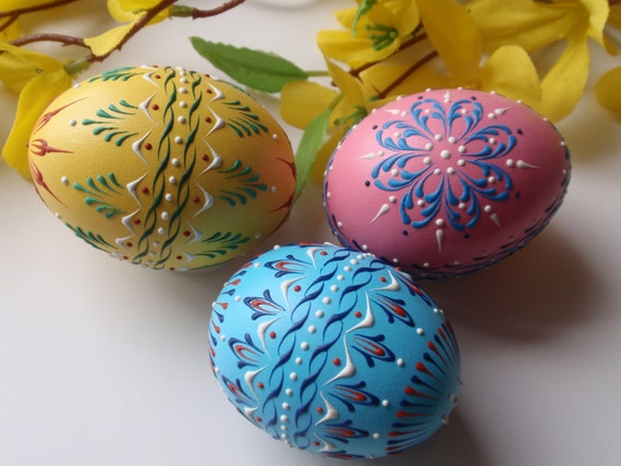Easter Eggs, Set of 3 Banty Eggs Pysanky, Traditional Polish Eggs, Wax Embossed Chicken Eggs, Easter Decoration