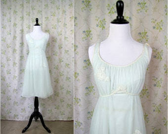 Vintage Lingerie | Blue Artemis-Gossard Nightgown | 1950s | Small