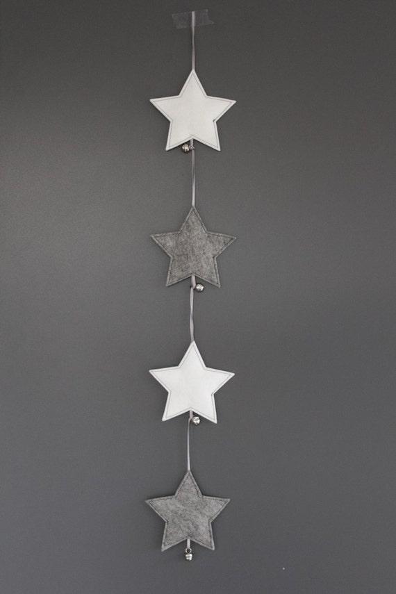 items op etsy die op vilten ster met belletje kerstversiering van wolvilt voor in de kerstboom. Black Bedroom Furniture Sets. Home Design Ideas