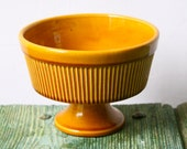 Yellow ochre retro stemmed bowl
