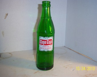 1960's Hope Club Beverages Providence, RI 8 oz green acl painted label soda bottle