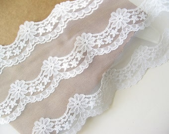 "White lace trim 6"" wide"
