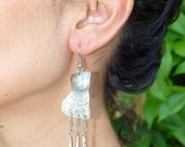 Vtg 80's Hmong folk Thailand hand made boho silver tone etched puffy kitty cat dangle earrings