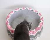 "12"" Self Warming Modern Cat Bed, Pink & Grey Ikat Print"