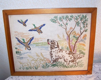 Embroidery Needlework Dog Duck Hunting Home Spun Oak Frame Prairie Country Farm Canine Vintage