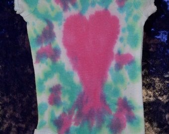 SALE Infant Bodysuit SIZE 0-3 mo./8-11 lbs. Teal and Purple Drip Dye with Magenta Heart