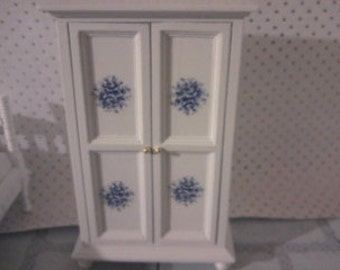 Dolls house  wardrobe in white doll house armoire miniaturer 1 12th scale dollhouse furniture