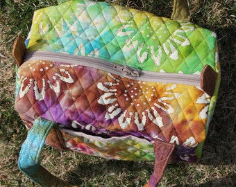 small duffel, quilted duffel, batik quilted duffel, small tote, lunch tote, cosmetic tote,carry onbag,