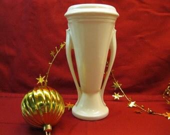 Roseville  Orian Vase from the 1930's, Deco Design, White gloss glaze