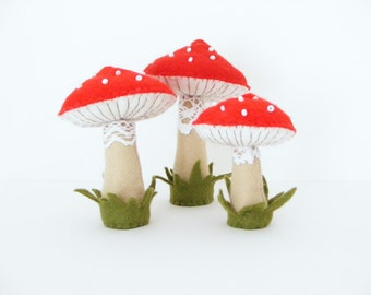 PDF pattern - Felt toadstools - Easy sewing pattern, hand sewing DIY project, autumn / fall felt decoration