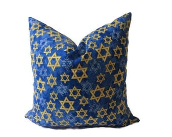 HOME Decor18x18 Bllue and Yellow Premiere Print Throw Pillow .  TOSS CUSHION Cover.