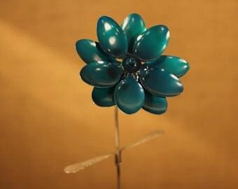 Large Open Spoon Flower