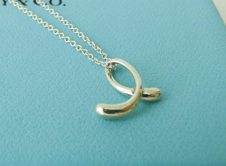 Tiffany co elsa peretti letter e alphabet pendant necklace for Elsa peretti letter pendant review