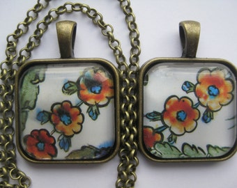 Louvre collection - 16th century Turkish ceramic plate flower detail - glass pendant and chain