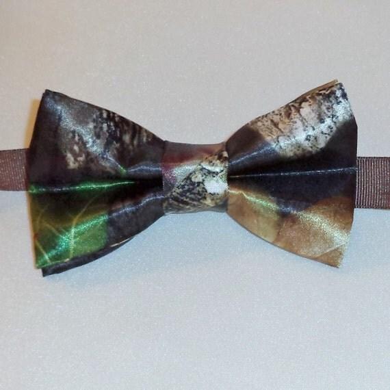 mossy oak breakup satin camo bow tie