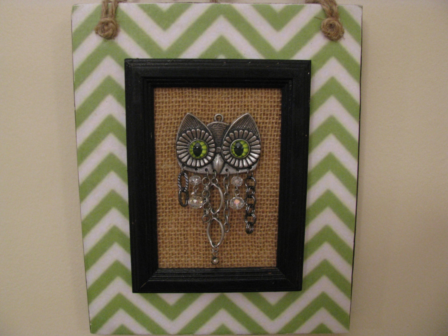 Owl wall decor owl plaque chevron black lime green for Lime green home decorations