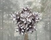 Pine cones star snowflake Christmas tree topper - AttitudeNature