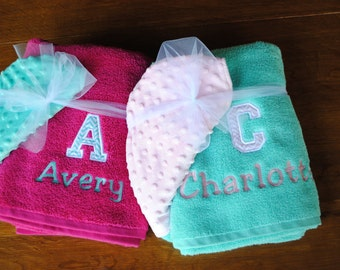 Embroidered/Personalized Hooded Bath Towel - Chevron Initial and name