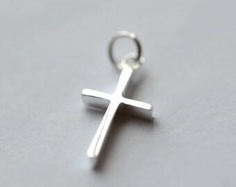 925 Sterling Silver Cross Silver Pendant 529