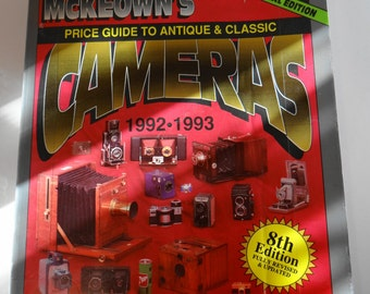 Vintage McKeown's Price Guide to Antique and Classic Cameras, 1992-1993 (Price Guide to Antique & Classic Cameras (McKeown's Paperback Book)
