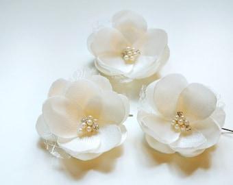 Bridal Headpiece, Bridal Hair Piece , Wedding hair piece, Wedding hair accessories,Wedding hair flowers, Ivory Hair flowers