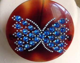 40s resin brooch