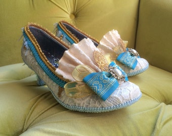 Marie Antoinette Costume Shoes Ivory Lace Gold Turquoise Blue French Revolution Heels Baroque Rococo Mardi Gras 17th 18th Century Fashion