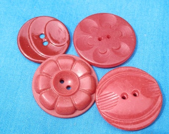 SET Red Vintage Buttons