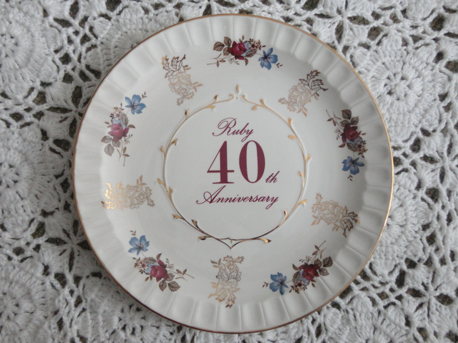 Traditional Ruby Wedding Gifts: Vintage Ruby Anniversary 10 Plate 40th Wedding