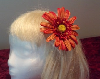 Flower hair clip orange  daisy