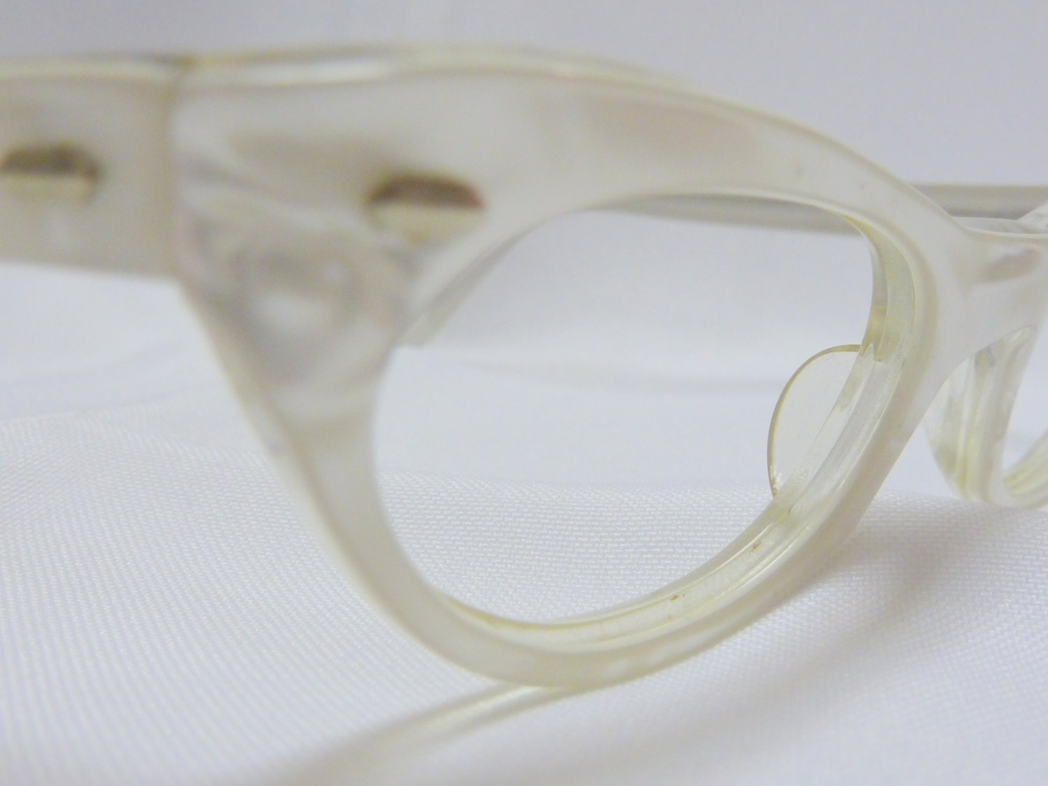 Eyeglass Frames With Pearls : Mother of Pearl France Cat Eyeglasses SWANK 1950s Retro